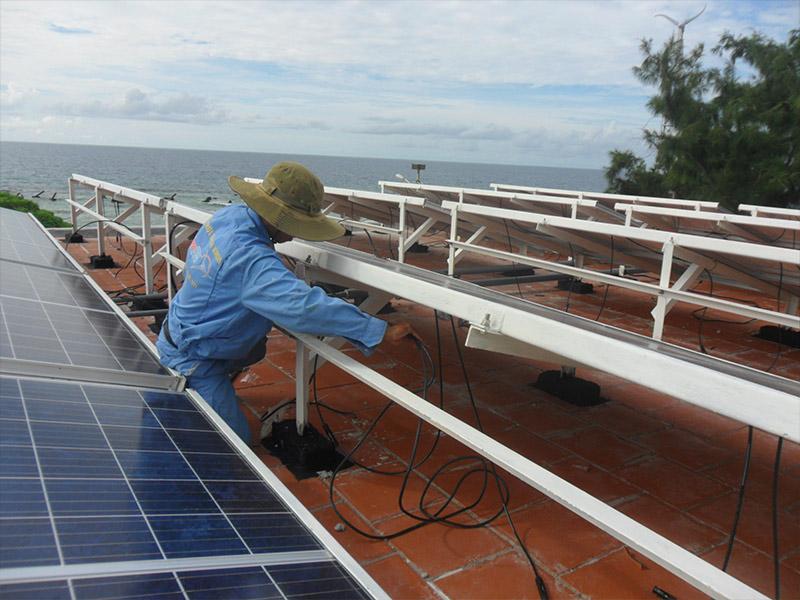 hệ thống điện mặt trời SolarBK ở Trường Sa